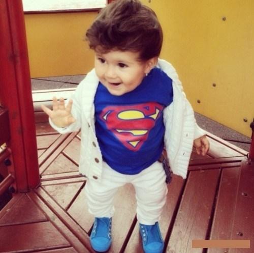 Футболка: http://ru.aliexpress.com/item/New-2014-Cartoon-Superman-Kids-T-Shirt-for-Summer-Children-Clothes-Girls-Boys-T-shirts-Free/1879657740.html